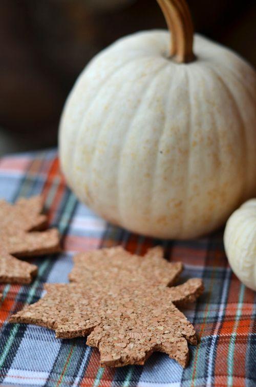 Fall leaf coasters - 25 Fall DIYs for the Home