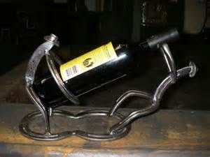 Good use for old horseshoes what welding pinterest for Things to make with old horseshoes