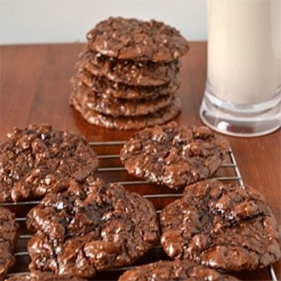 Flourless Chocolate Puddle Cookies | Recipes to Cook | Pinterest