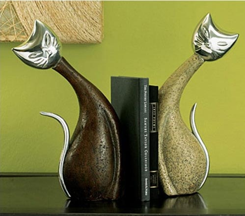 Animal bookends from the dapper frog