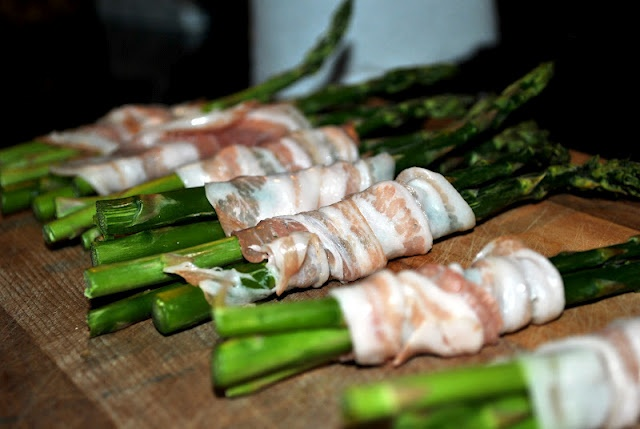 prosciutto wrapped asparagus bundles.. | Vegetibles | Pinterest