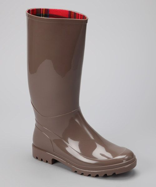 Elegant Thats Why Weve Found Some Of The Best Womens Rain Boots To Protect Your Feet And Maybe Even Complement Your Wardrobe  The Fashionable Boots Have A Wide Enough Opening To Comfortably Fit Large Calves Or Tucked Pants The