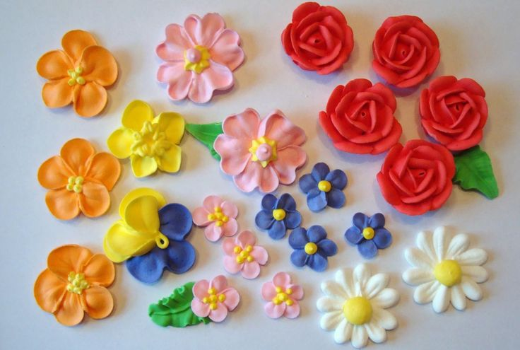 Cake With Royal Icing Flowers : LOT of 100 Royal Icing Flowers for Cake Decorating