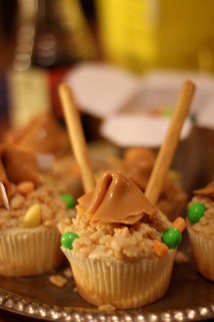 CHINESE TAKE-OUT CAKES! | Cupcake Wars | Pinterest