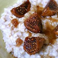 Oatmeal+with+Honeyed+Figs+by+Serious+Eats