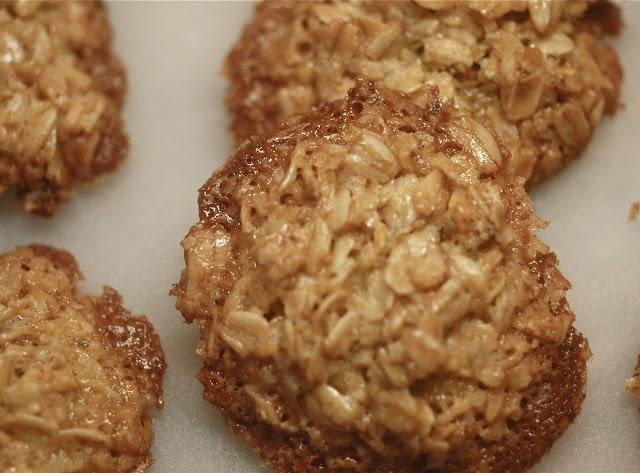 Bryte Havrekaka - Norwegian Lace Oatmeal Cookies - Delish! Sher