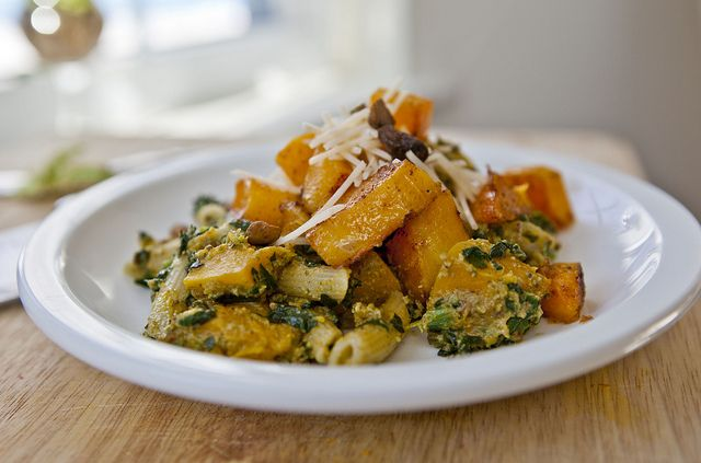 Roasted butternut squash, penne, and pistachio pesto http://www ...