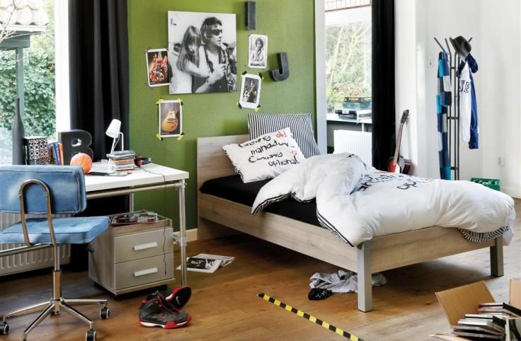 Kinderkamer Kleur Ideeen : Kinderkamer: kleur muur en stoel Kids ...