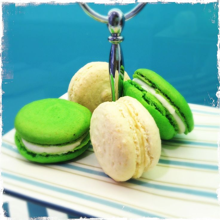 ... cheese and vanilla macaron with salted caramel buttercream filling