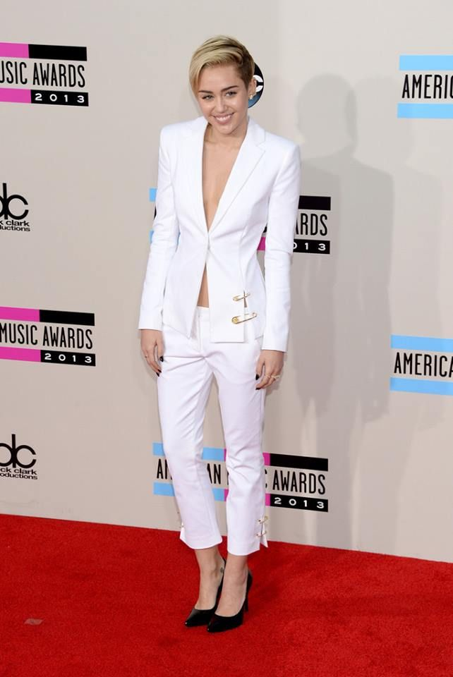 Miley Cyrus American Music Awards 2013