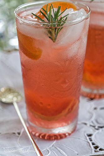 White Cranberry and Peach Spritzer | Yummy...It's 5 o'clock somewhere...