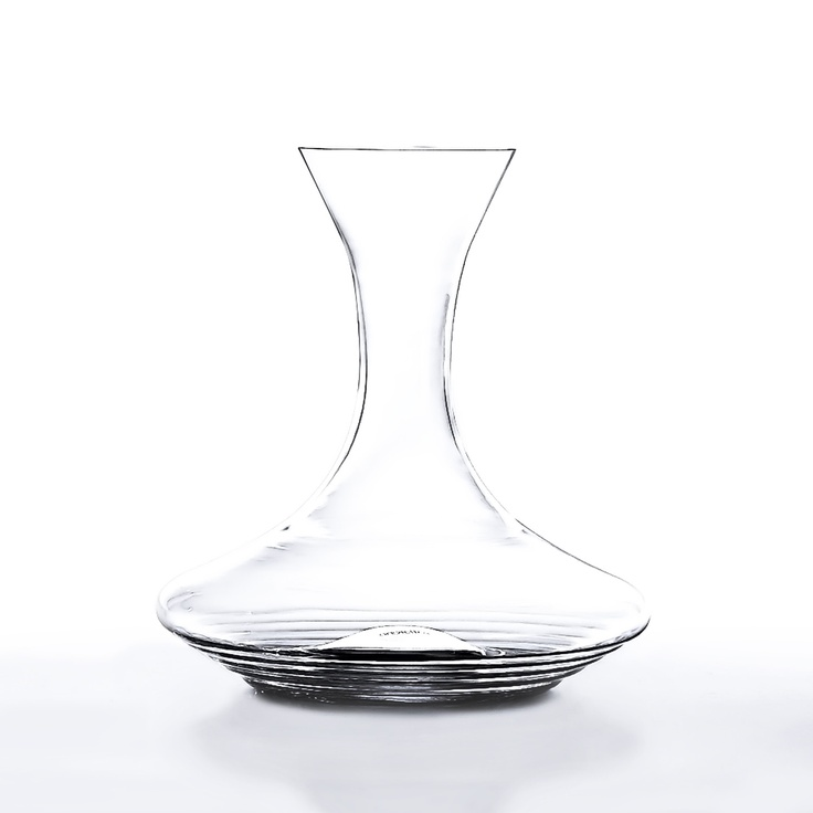 Italian-made Esperienze wine carafe