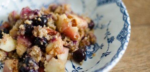 Paleo Apple Berry Crumble | Mmmm | Pinterest