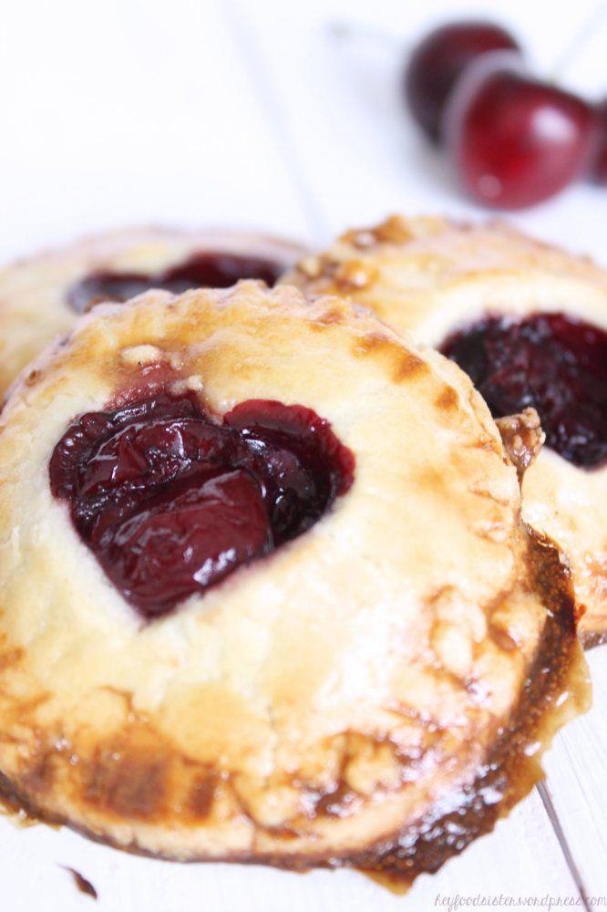 Cherry hand pies | Zusammen schmeckts besser - ich schenk Dir ein Stü ...