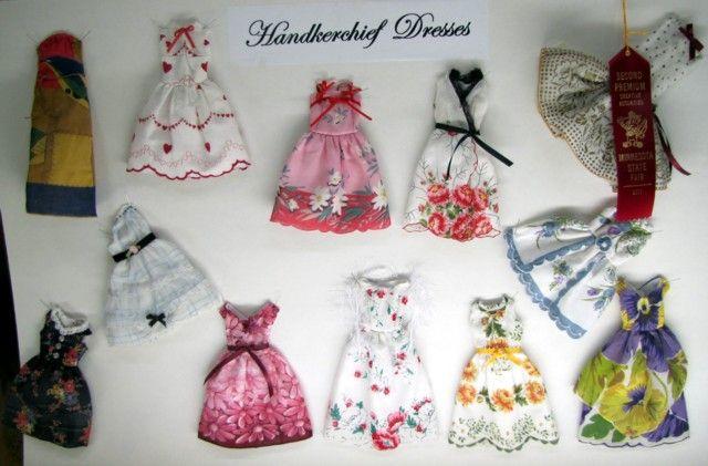 Очаровательны платья сделаны из носовых платков!