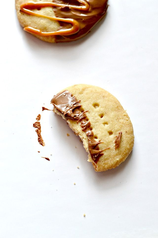 Brown Butter & Bacon Fat Shortbread Cookies from @Bakeaholic Mama Mama