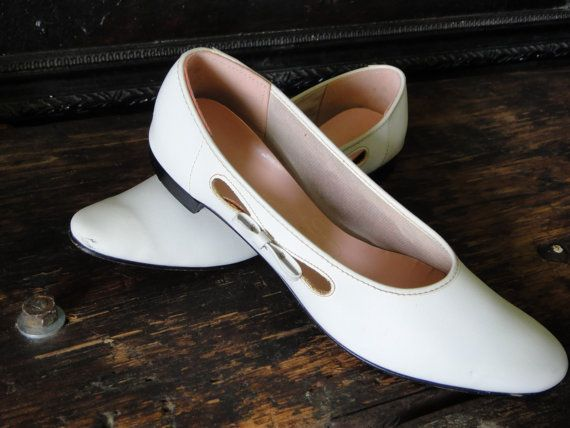 1950s Womens Shoes // Size 9 // White Flats // Mod by TheOddBin, $30