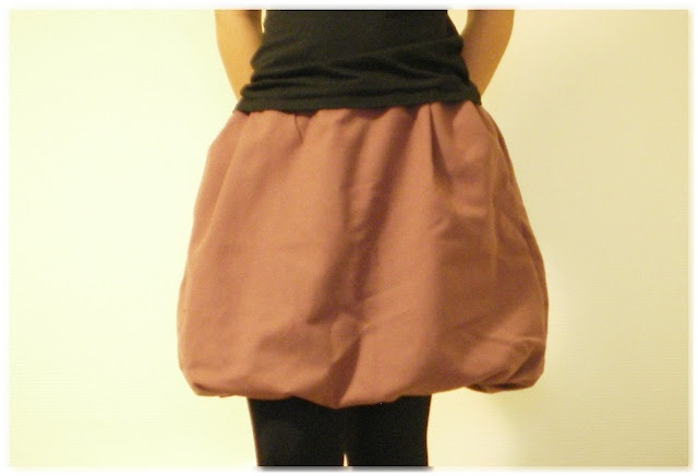une jupe boule en laine diy pinterest. Black Bedroom Furniture Sets. Home Design Ideas