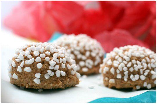 Homemade Italian amaretti cookies.   yum - sweet   Pinterest