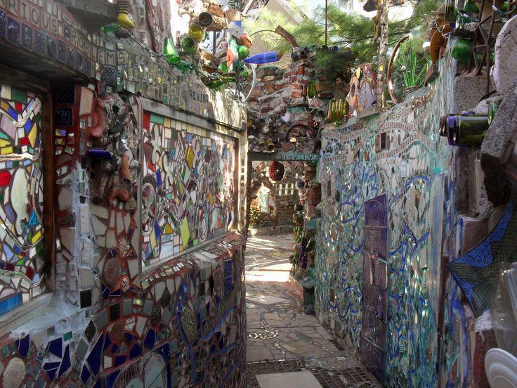 Philadelphia39s magic gardens if the doors of perception for Magic garden philadelphia