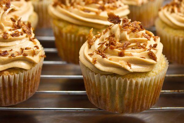 Peanut Butter Banana Cupcakes | Sweet Treats! | Pinterest