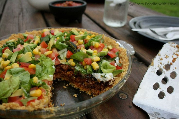 Taco Pie - via FromFoodieWithLove.com | Mexican recipes | Pinterest