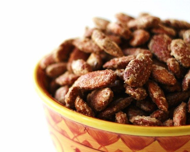 Candied Almonds - these are delicious and so EASY! I substituted pure ...