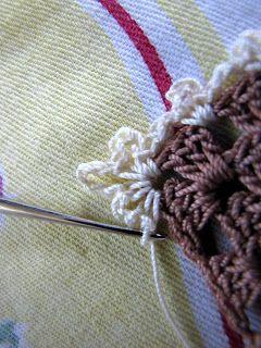 Fleur de lis picot edging, free pattern by Bella Crochet