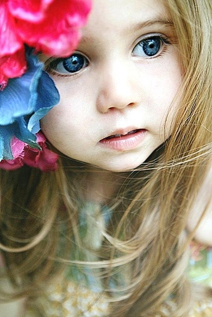 Beautiful Little Girl With Blue Eyes Little Girls