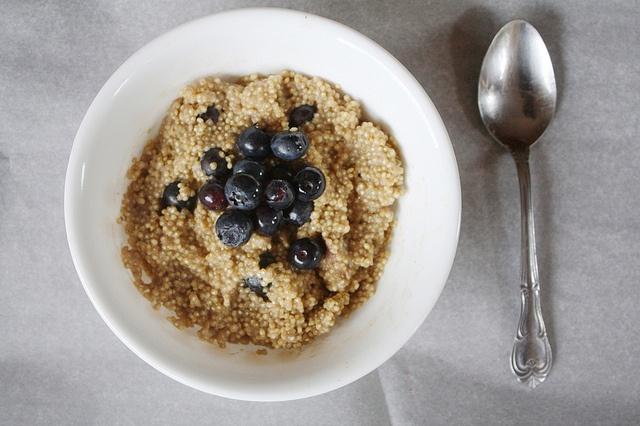 Quinoa Porrige with Blueberries and Pecans