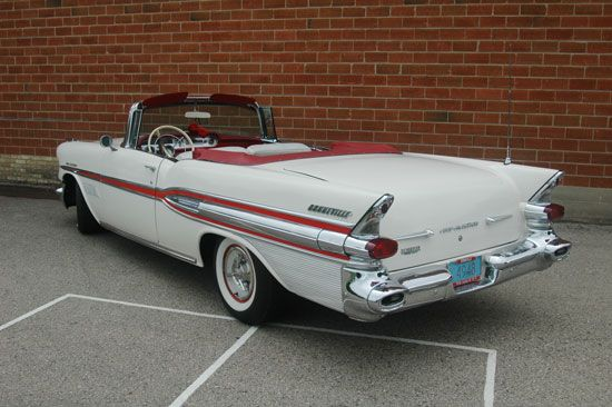 1957 pontiac 3 deuces and a four wheeler