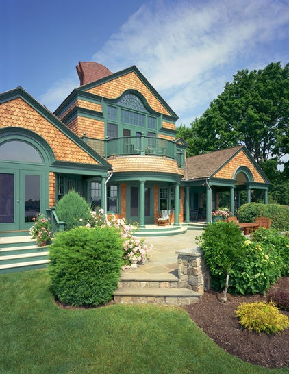 traditional exterior by Andreozzi Architects