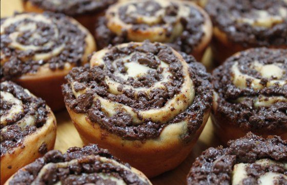 chocolate swirl buns | bakeology by lisa | yum! | Pinterest