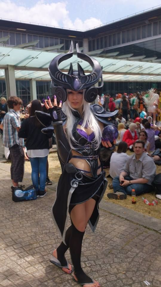 Syndra cosplay League Of Legends Syndra Cosplay