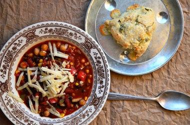 Spicy Vegetarian Chili — for dinner tonight + homemade cornbread!