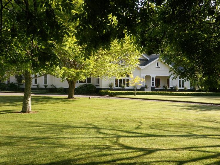 Country homestead home the country house pinterest for Country homestead designs