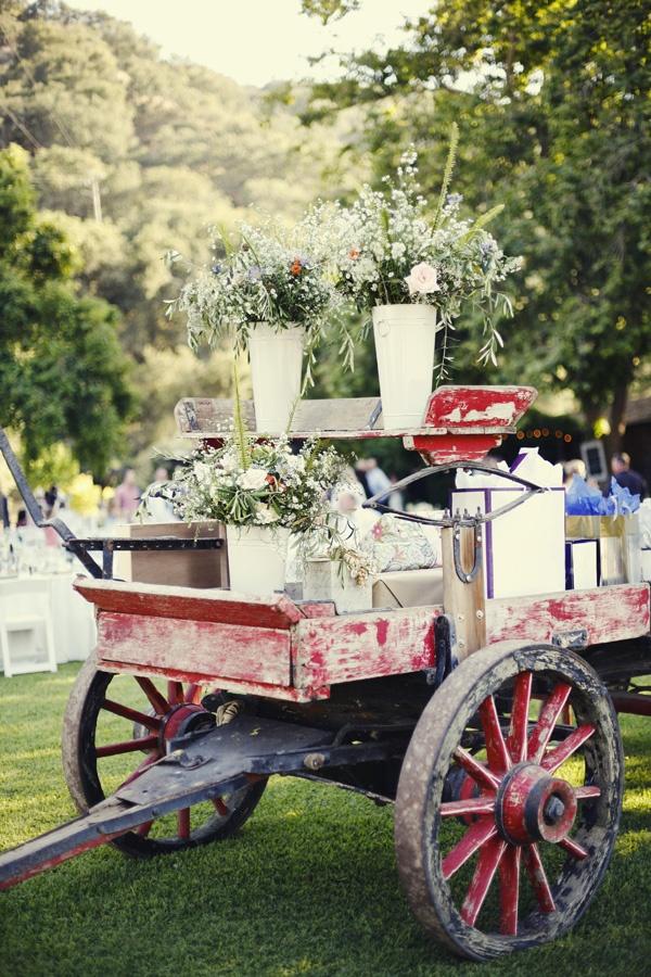 old wagon as wedding decor