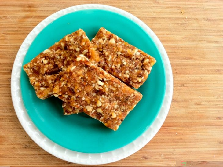 Raw) Pumpkin Pie Energy Bars •1 and 1/4 cups medjool dates (no pits ...