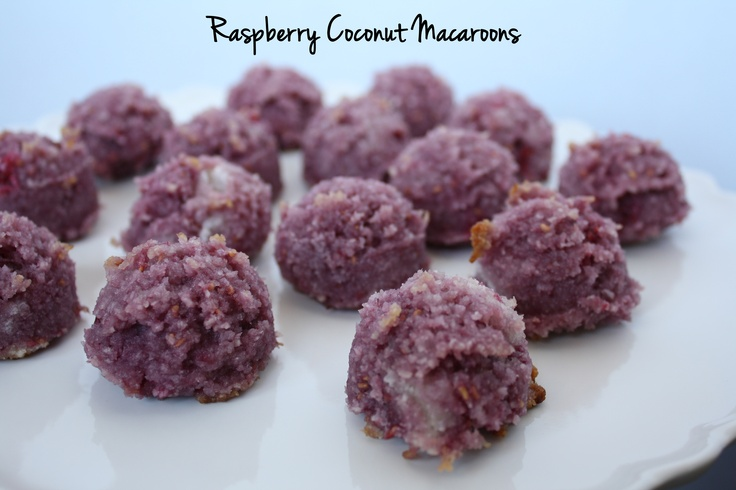 Raspberry Coconut Macaroons | Izzi's Petit Treats | Pinterest