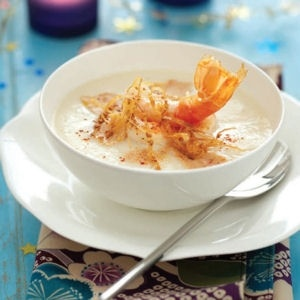 velouté de chou-fleur aux langoustines et foie gras croquant de sésame