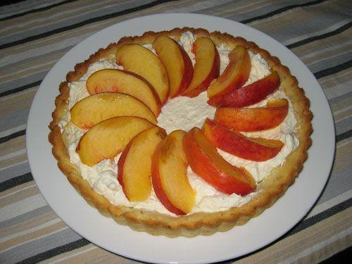 Fresh Peach Tart with Mascarpone-gonna try it someday!