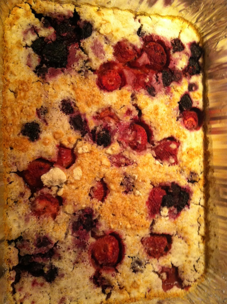 Berry/white cake cobbler w sprite! Mmmm good! (I did 1 cake box, some ...