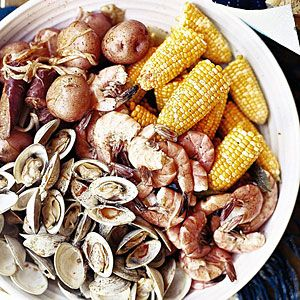 One-Pot Clambake Recipe! Fall is coming and it's time for seafood!!!
