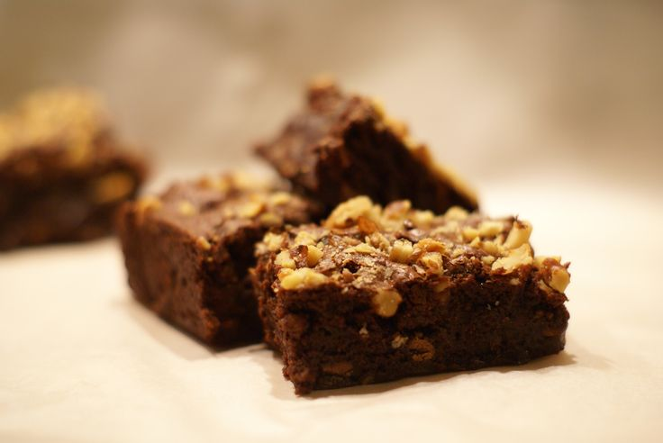 Chocolate Chip and Walnut Fudge Brownies | American Recipe Ideas | Pi ...