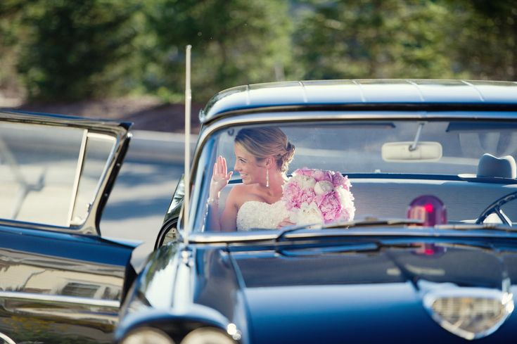 10 most common mistakes made by brides... If you are planning your own wedding and do not have a coordinator, these are some great tips to consider. Pin now read later.