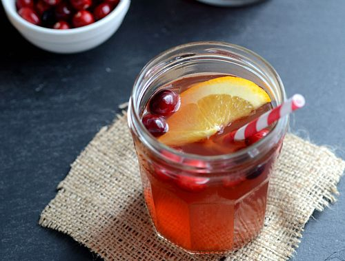 Mulled Wine Recipe with Honey, Cinnamon, Ginger, Spiced Rum, Orange ...