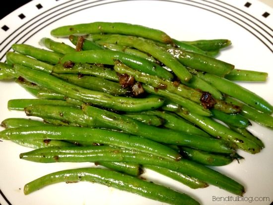 Sauteed Green Beans - Super easy made with coconut aminos! #whole30 ...