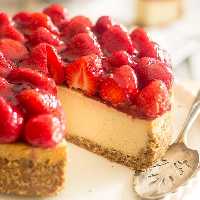 Non-Dairy & Paleo Strawberry Cheesecake (Sugar-free)