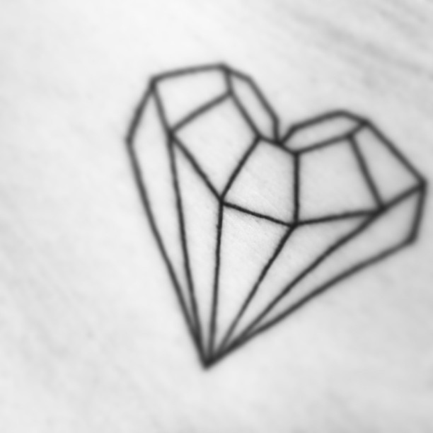 Diamonds drawing for tattoos the image for Diamond heart tattoo
