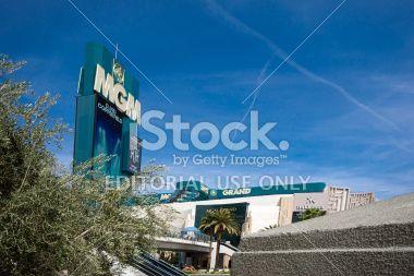 las vegas hotels free parking